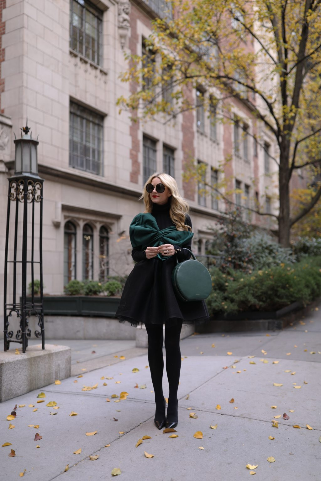blair-eadie-nyc-new-york-holiday-outfit