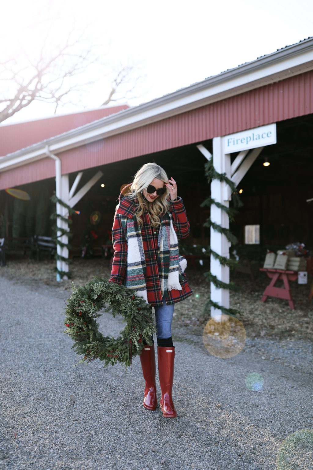 farm-stand-christmas-tress-holiday-blogger