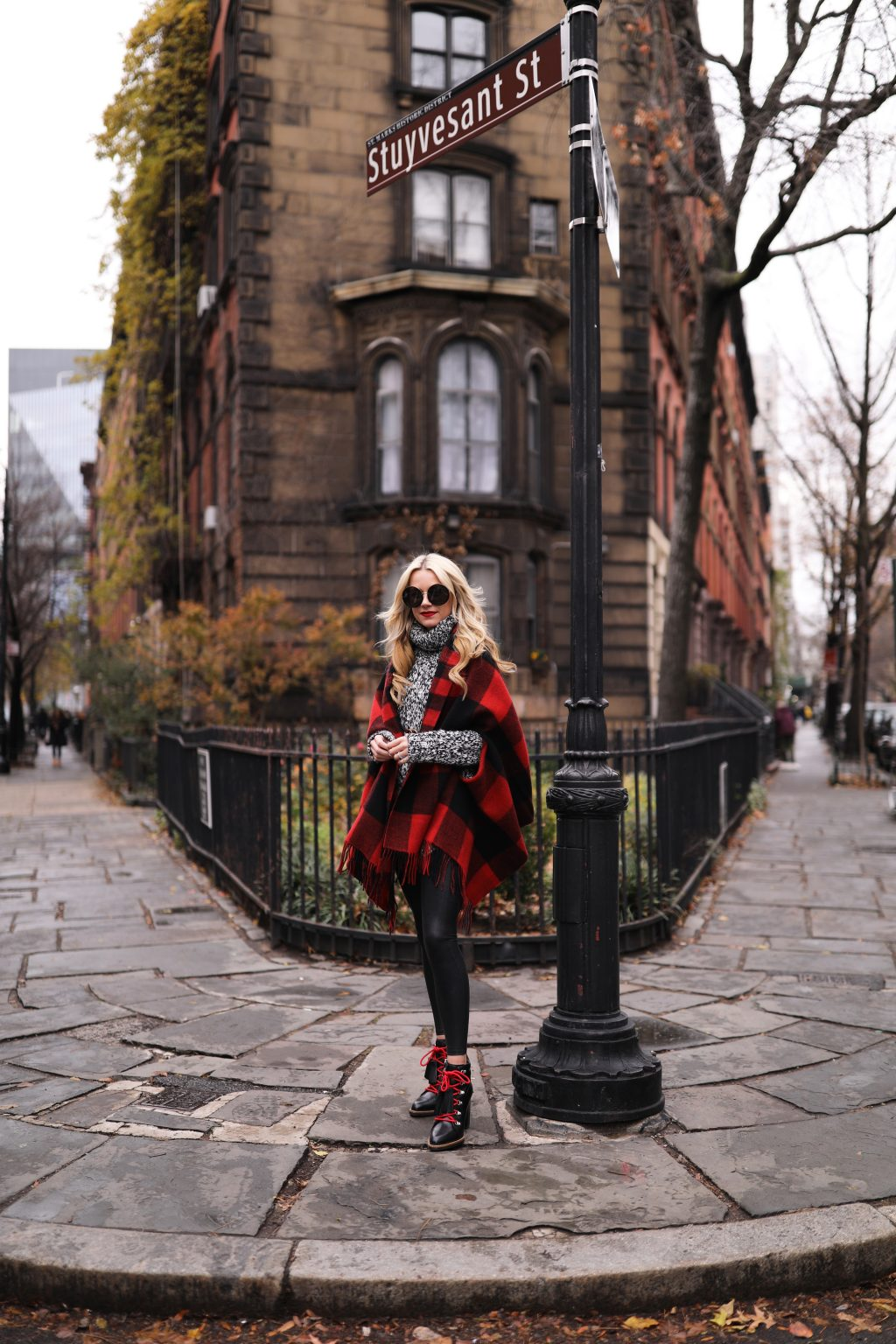 atlantic-pacific-blog-nyc-plaid-cape-madewell-hiking-boots