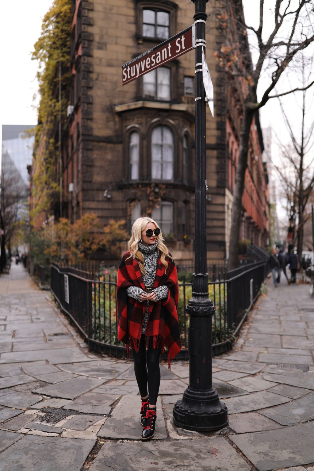 atlantic-pacific-blogger-nyc-casual-holiday-hiking-boots-leggings