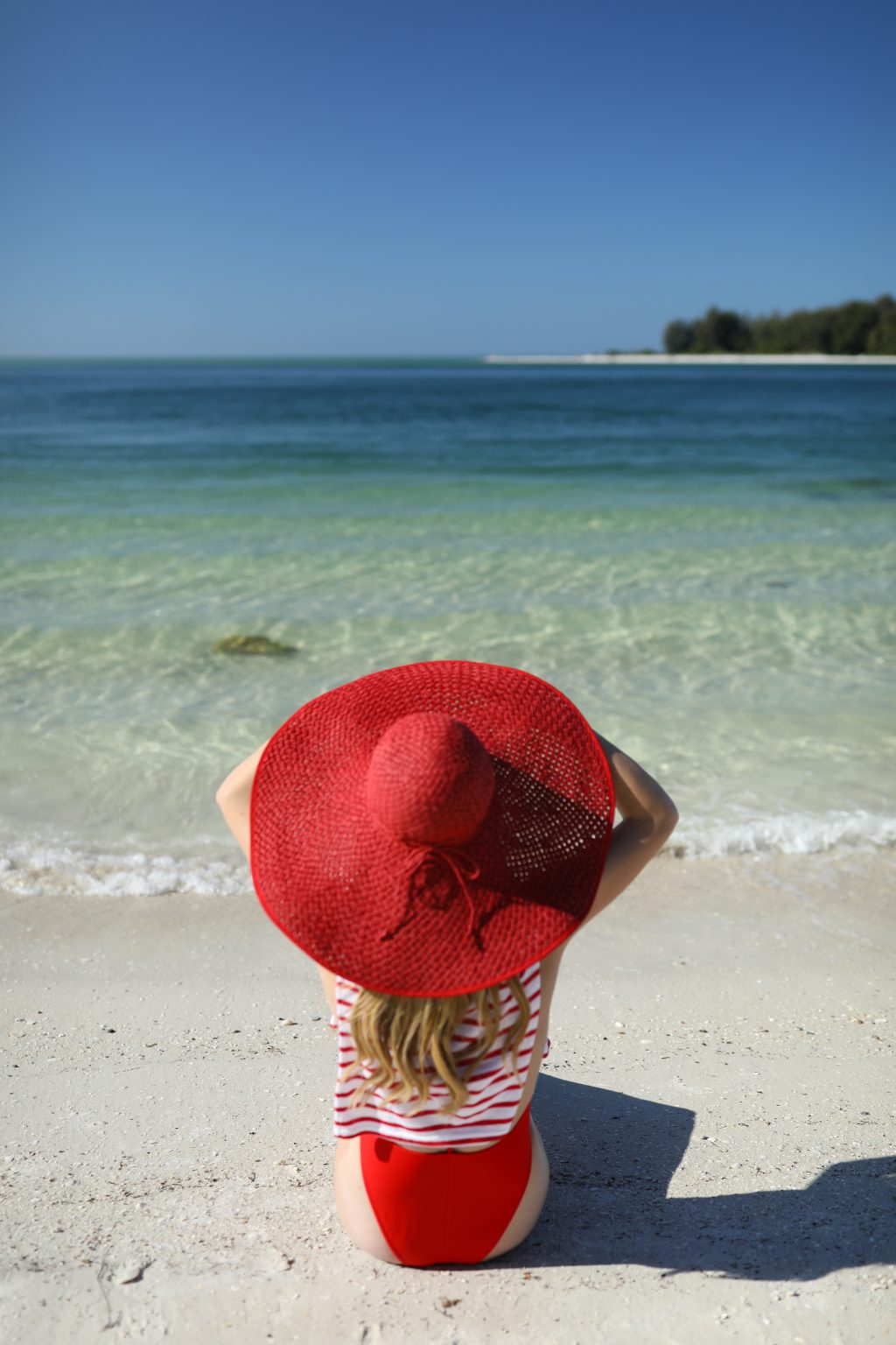 blair-eadie-atlantic-pacific-beach-blog-stripes-asos-red-hat-straw-winter-christmas