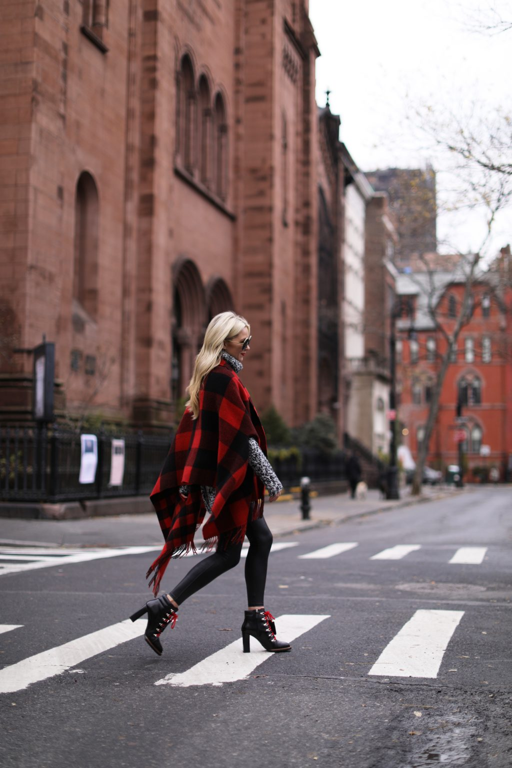 blair-eadie-atlantic-pacific-blog-blogger-plaid-check-scarf-black-red