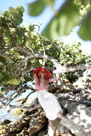 blair-eadie-atlantic-pacific-blog-stripe-jcrew-white-skirt-red-sandals-beach-day-winter-resort