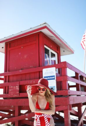 blair-eadie-atlantic-pacific-blog-winter-beach-day-siesta-key-asos-jcrew-stripe