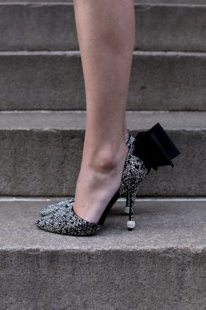 roger-vivier-neiman-marcus-sparkle-pumps-bow-holiday-christmas-outfit