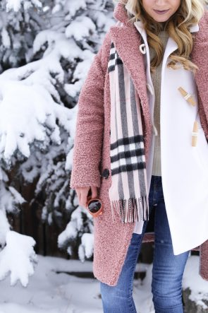 winter-outfit-details-aspen-holiday-pink-blush-cream