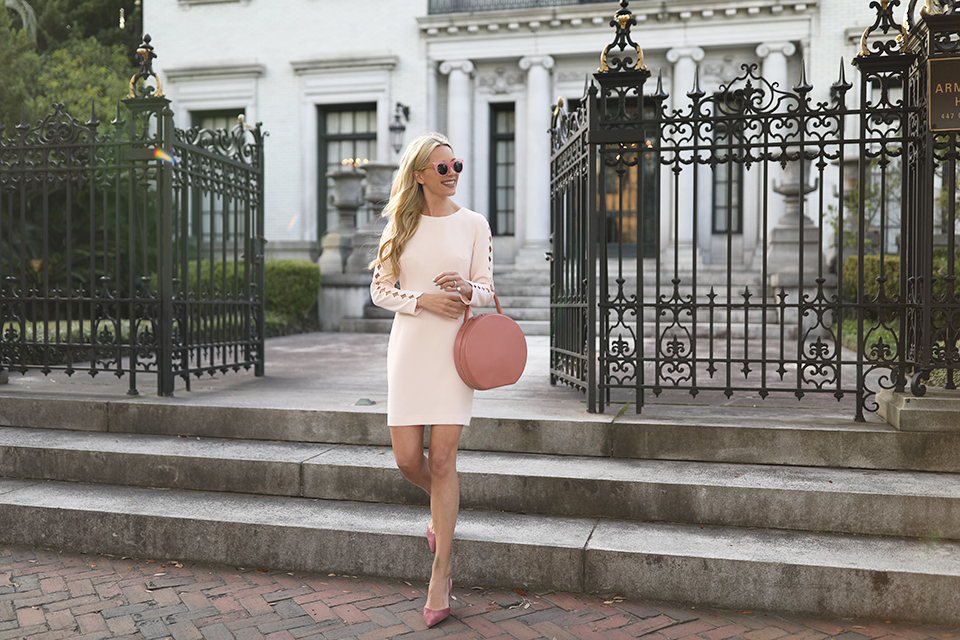 ATLANTIC PACIFIC BLOGGER CLUB MONACO DRESS PINK FLATS PINK SUNGLASSES