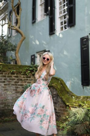 BLAIR EADIE ATLANTIC-PACIFIC BLOG TRAVEL CHARLESTON PASTEL HOUSES LELA ROSE DRESS