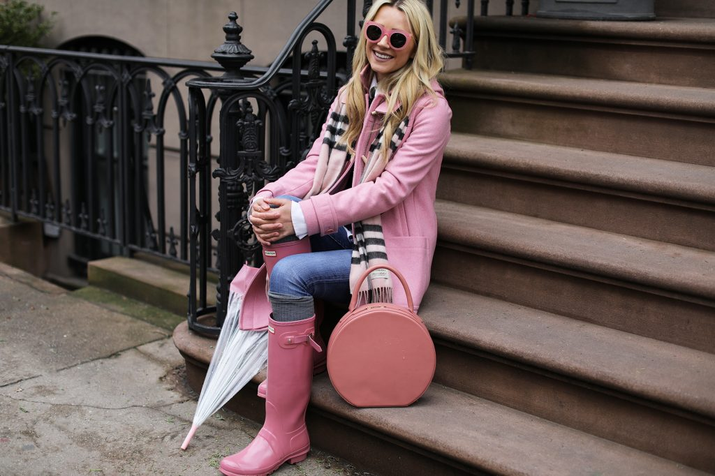 pink-rainy-day-look-outfit-fashion-blog-west-village-nyc