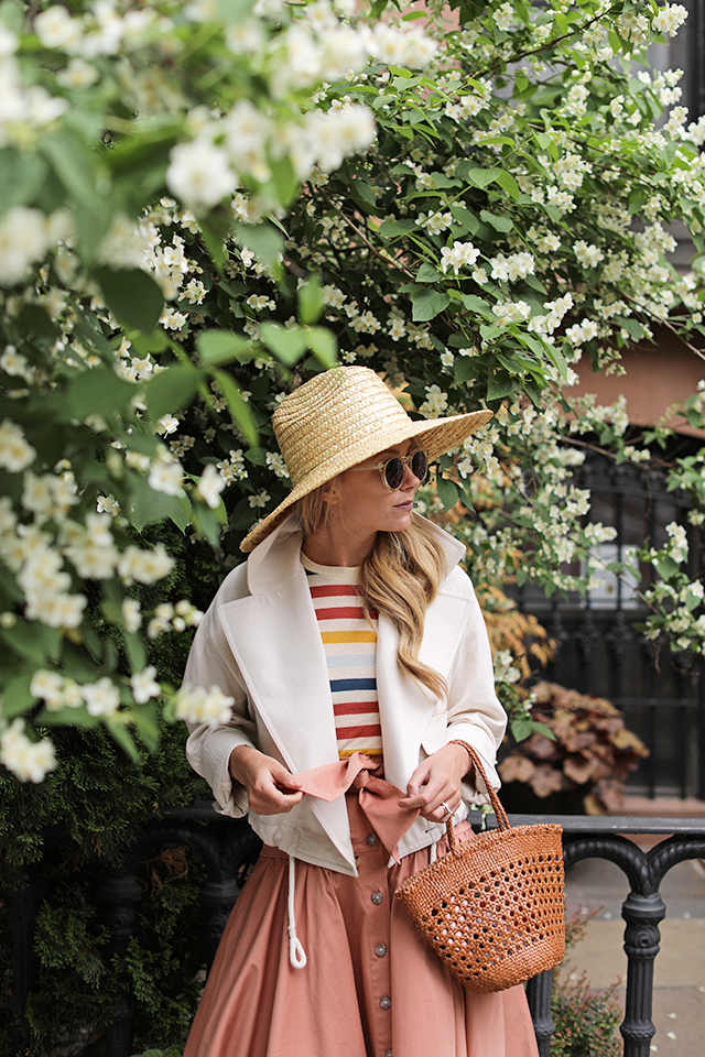 How to wear stripes for summer // click through to shop the post