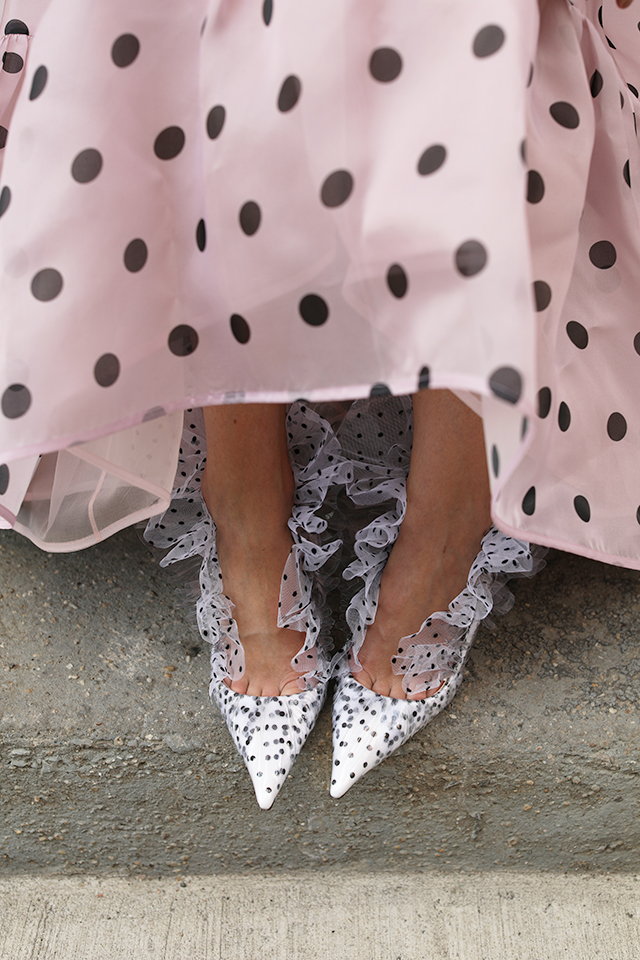 Nena feet